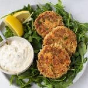 Maryland Crab Cakes with Creamy Special Sauce